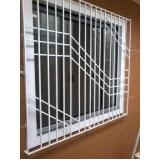janela alumínio com grade Pari